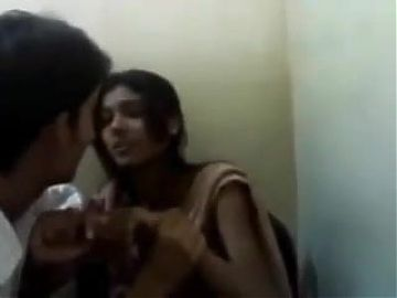 Indian Girl Kissing To BF