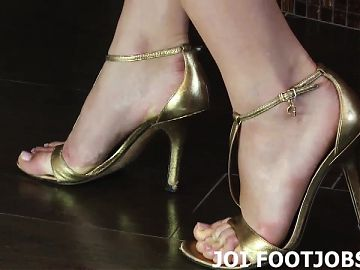 I want to help you with your footjob fantasy