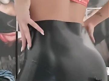 miss lith domina in sexy latex leggings with a zipper